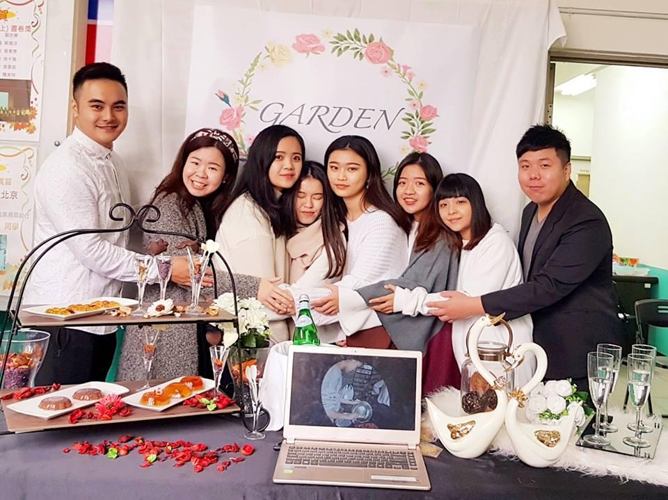 【圖說三:來自金融系的臺灣學生以花園的概念結合甜點與行銷,在成果發表會中布置出浪漫夢幻氛圍。】